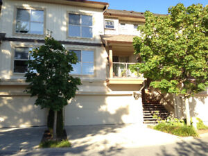 $2150 / 3br - 1700ft2 - Town House in langley for rent (Willough