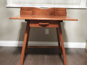 Solid Maple Sudent/Writing Desk