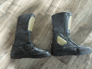 Women's size 9.5 Rhyno leather motorcycle boots