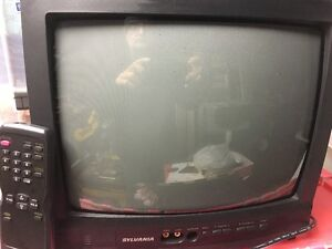 """Perfect 12"""" Colour TV for your trailer Revelstoke British Columbia image 2"""