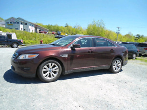 2010 TAURUS.  ONLY 4990$.  GREAT VALUE!!!