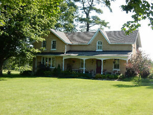 Elegant Harburn House in the Quiet Country Side of Brant County