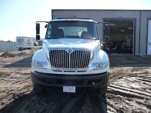 2008 Daycab International truck Strathcona County Edmonton Area image 2