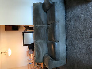 Beautiful Couch For Sale! 300$ OBO