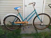 Vintage antique women's cruiser bicycle