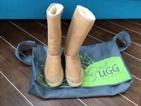 UGG boots - size 4