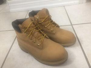 Timberland Kids boots size 2