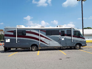 Beautiful Motorhome    MUST SEE!!