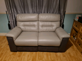 Stunning Arritey 2 seater leather recliner