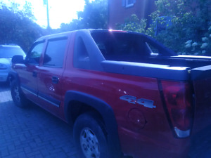 2004 Chevy Avalanche- for parts