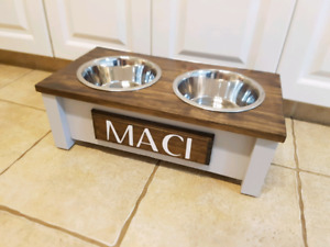 Beautiful elevated cat and dog feeders