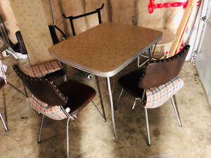 1950s Retro Dining Room Set