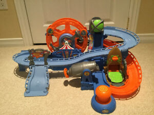 **Matchbox Hero City Rocket Park Playset**