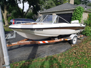 AMF 16' Bowrider 115 Johnson