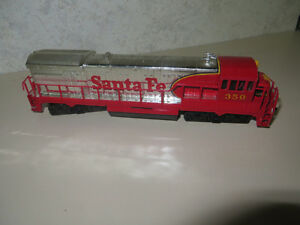 HO TRAIN ENGINES , ROLLNG STOCK,,BUILDINGS,& MORE