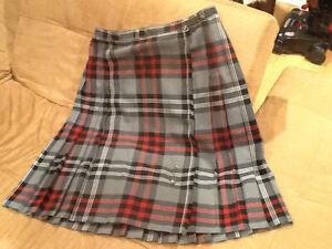 Skirt Wraparound black and red plaid