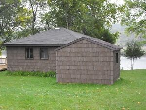 Waterfront Cottage on Trent Severn minutes to Peterborough