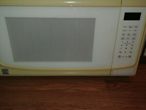 Kenmore 1.4 cu ft Microwave. Used in Great Shape.