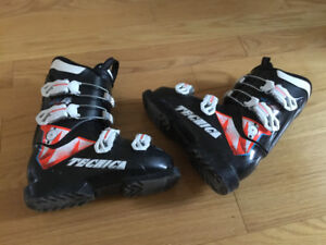 Youth Ski Boots (size 22 cm)