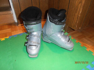 3 paires de bottes de ski alpin, plusieurs grandeurs