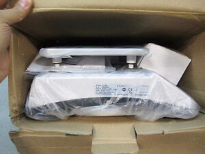 NEW - OHAUS Valor Compact Bench Scale M/N: V11P6 6kg/13lbs Kitchener / Waterloo Kitchener Area image 3