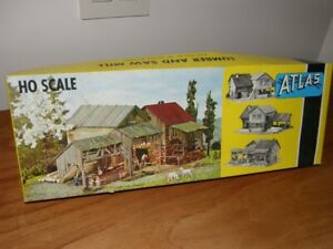 ATLAS, HO Scale Plastic Model - Lumber and Saw Mill