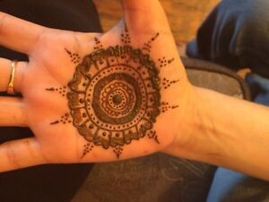 Freelance henna artist London Ontario image 5