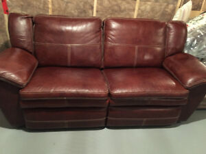 La Z Boy Buy Or Sell A Couch Or Futon In Alberta