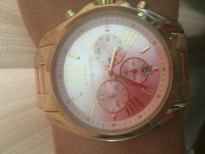 AUTHENTIC WOMENS MICHAEL KORS WATCH
