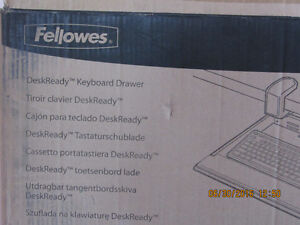 BRAND NEW Fellowes Large Keyboard Drawer West Island Greater Montréal image 4