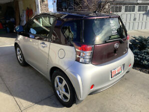 2015 Scion iQ - Super Low KMs