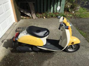 2005 Honda Jazz scooter
