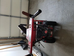 Selling broken snowblower for 100$