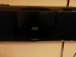 Samsung Blue ray speaker with wireless subwoofer
