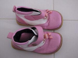Chaussures pour filles, pointures variées Gatineau Ottawa / Gatineau Area image 2