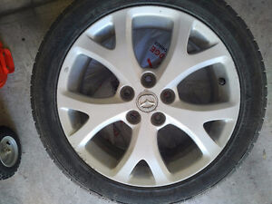 "Set of 4 - 17"" - 5 x 114.3 aluminum wheels with rubber"
