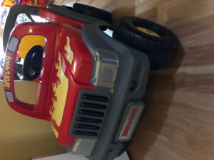 Selling used Sport 4x4 keep ride on toy cars for kids 6V No bat