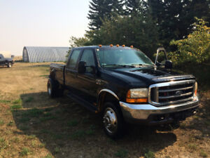 1999 Ford 550 truck, low mileage, runs great, but needs new box