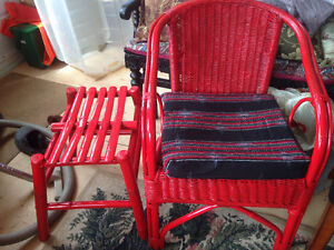 WICKER CHAIR AND SIDE TABLE NEW RED PAINT CUSHION