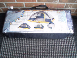 Woods GoBeDry Dome Tents / Beach Sport Shelter Tent / Lights
