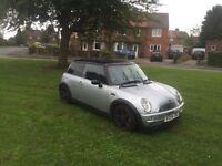 Mini Cooper 2004, half leather alloys, 94k mot Dec. Drives great £1400 no offers