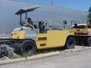 Komatsu JW215 pneumatic 7 wheel compaction roller 10/14 tons, Downtown-West End Greater Vancouver Area image 8