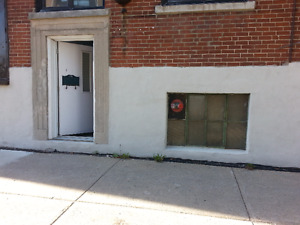 Studio Artist Loft / Apartment $1200