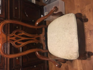 6 dining table chairs!! London Ontario image 4