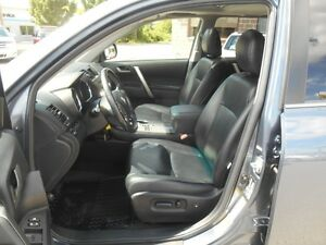 2012 Toyota Highlander Sport 4WD Peterborough Peterborough Area image 11