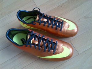 MERCURIAL Nike Soccer Shoes 7.5 (FG) Kitchener / Waterloo Kitchener Area image 1