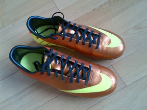 MERCURIAL Nike Soccer Shoes 7.5 (FG)