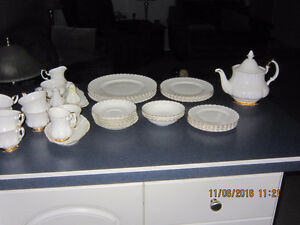 Royal Albert Bone China Val D'Or Dishes