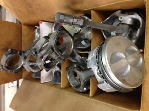 350 chev STD pistons w/rings on rods