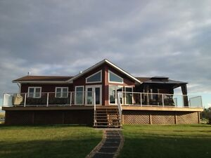 Stettler Area Executive Home for Rent   REDUCED!!